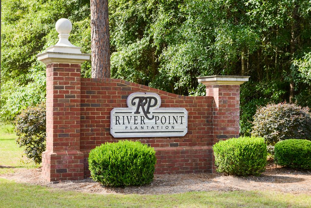 1511 River Pointe Drive, Albany, Georgia image 2