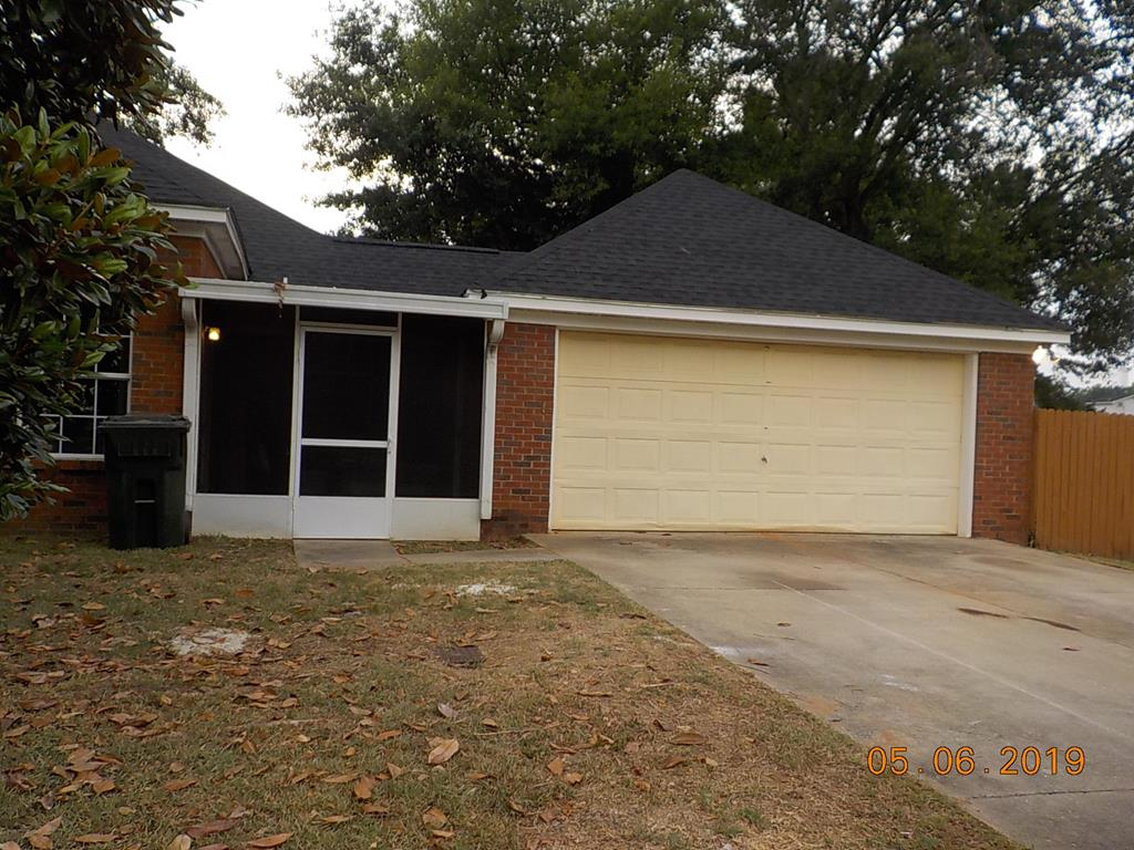 screen porch and garage