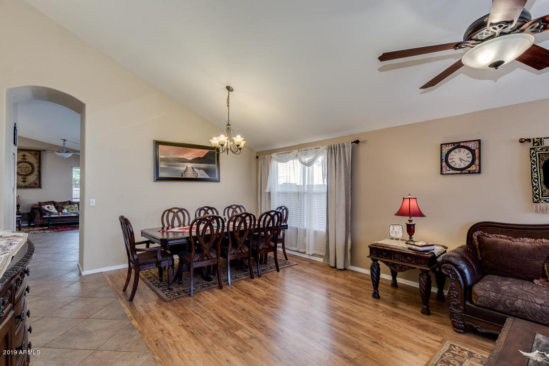 ROOM FOR LARGE DINING TABLE