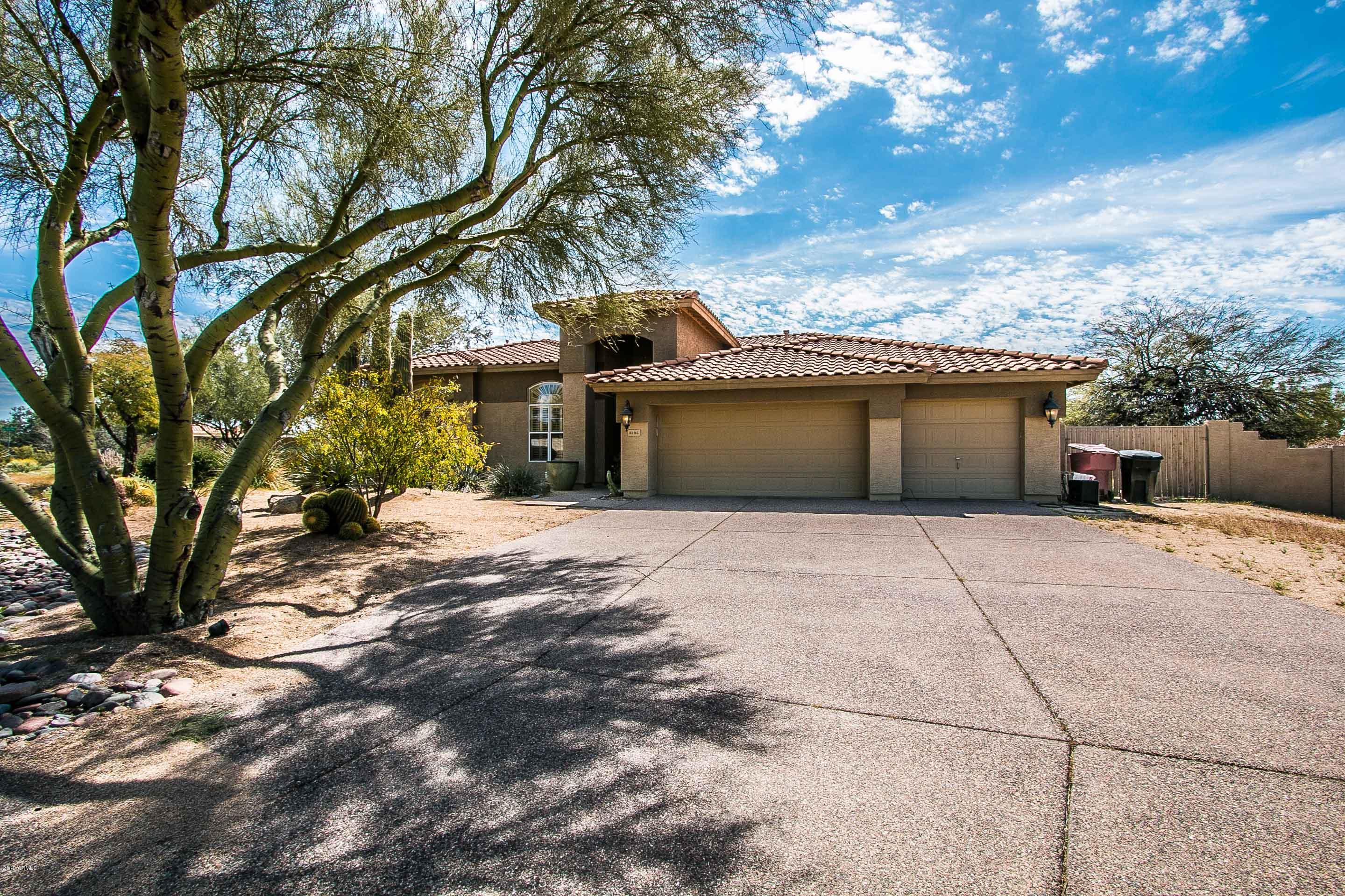 Fabulous driveway with ample parking