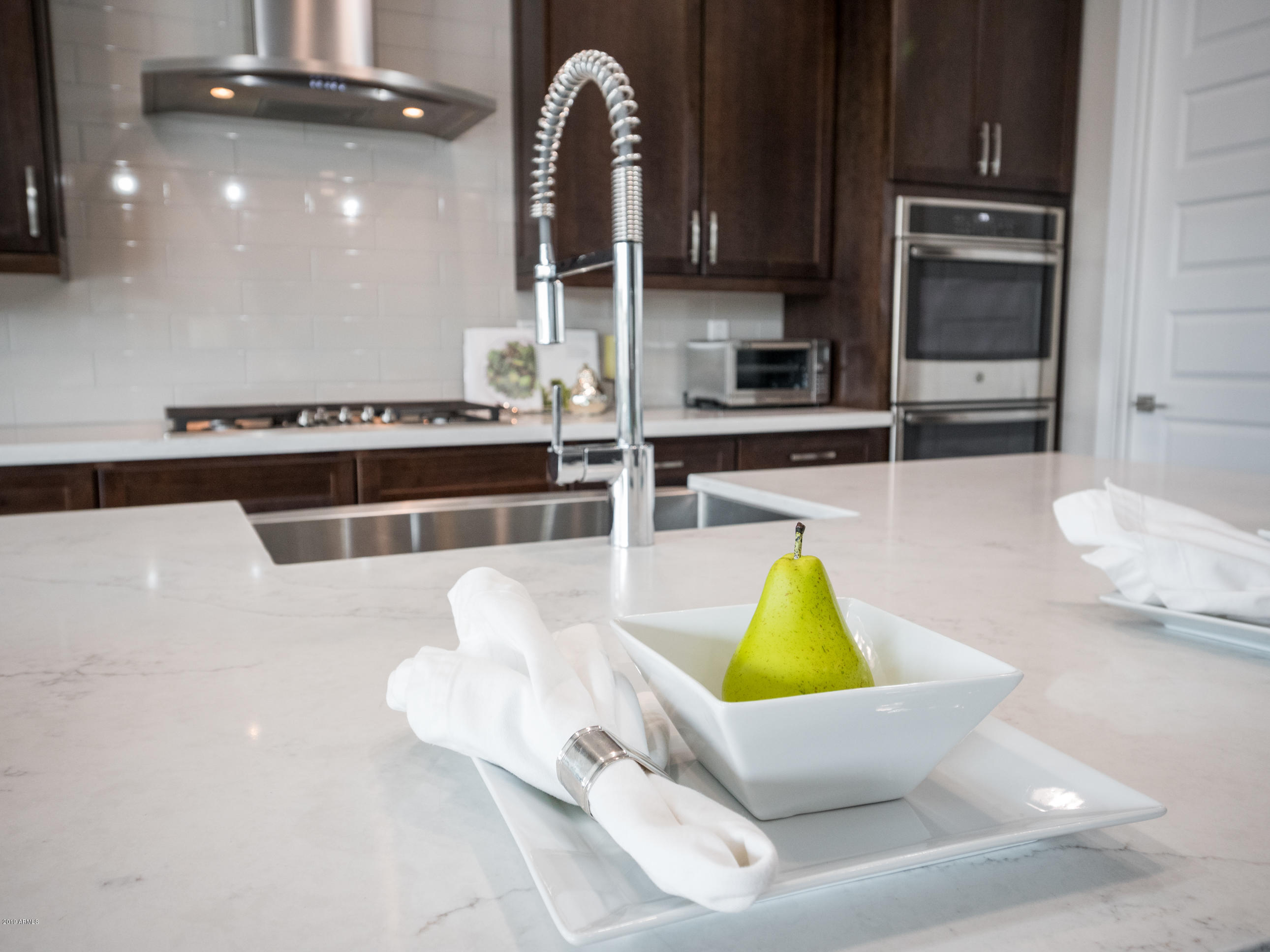 High-End Fixtures & Stainless Farm Sink
