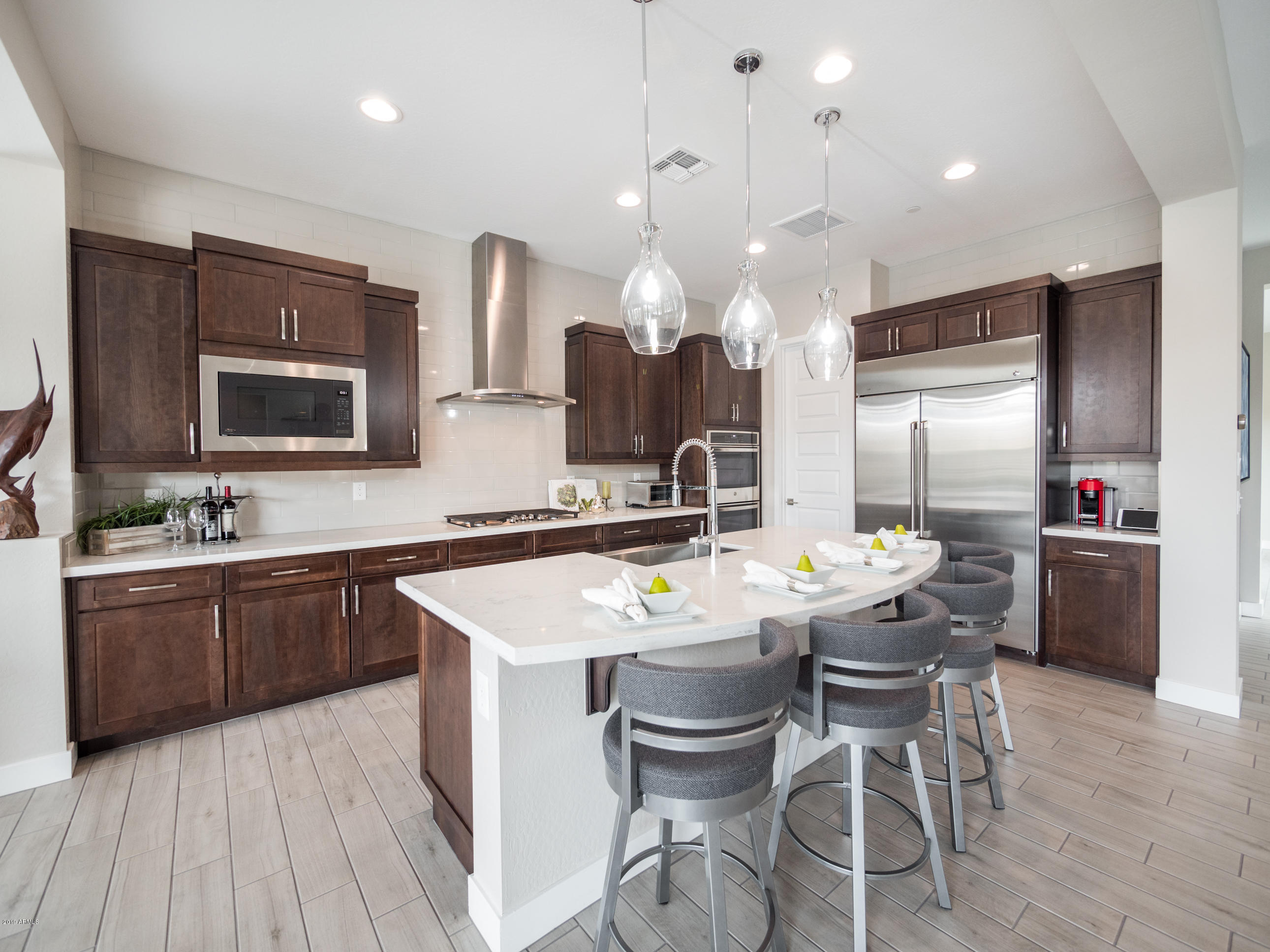 Beautifully Appointed Kitchen with Walk-
