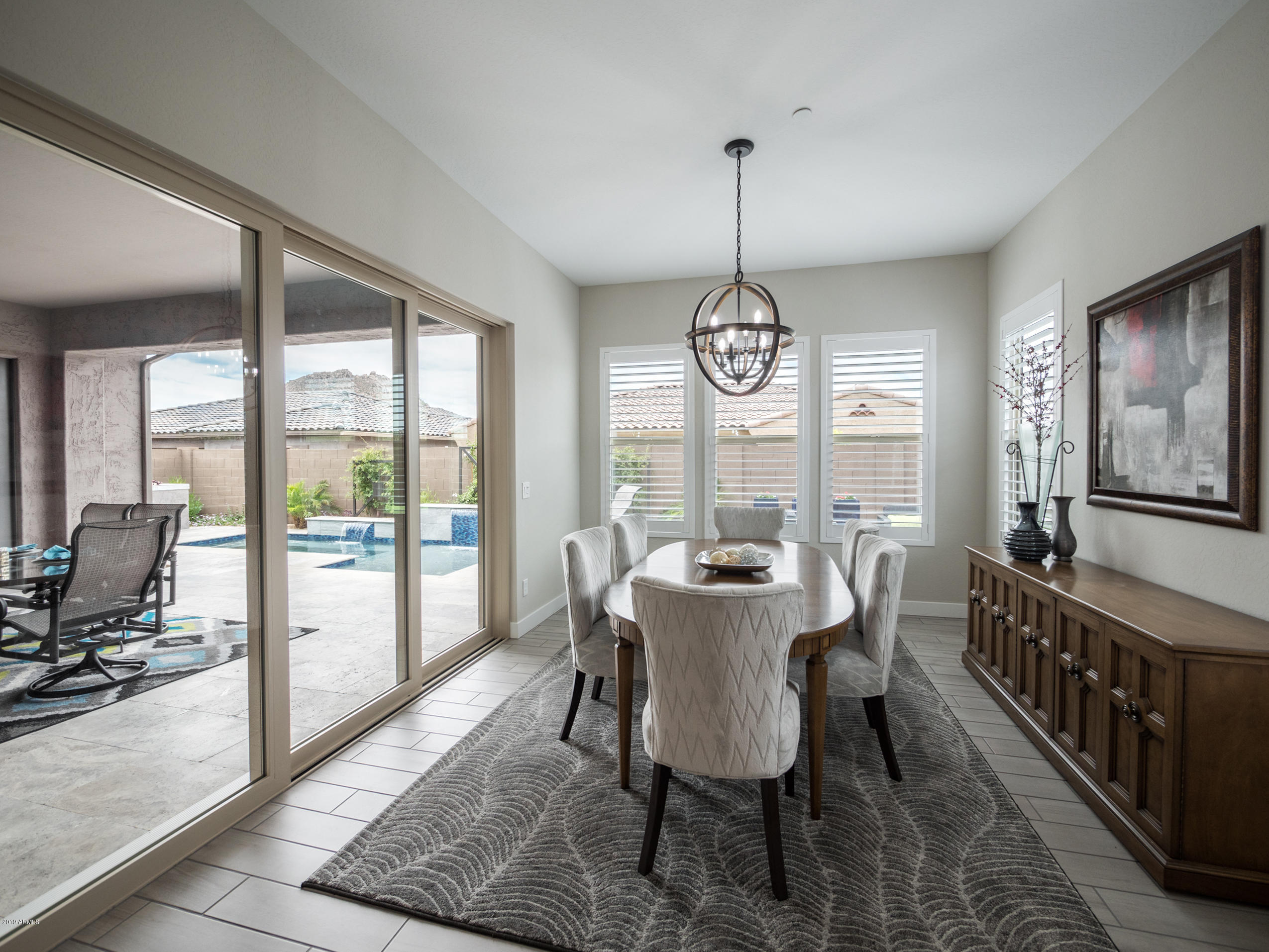 Spacious Formal or Casual Dining