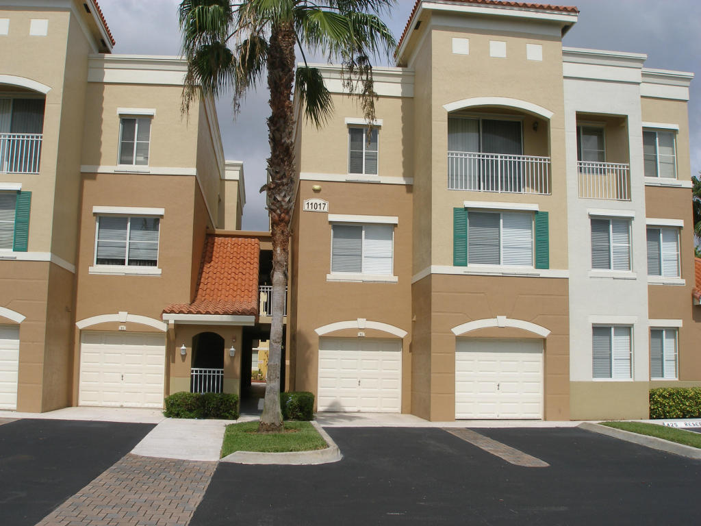 Legacy Place, Palm Beach Gardens, Florida 1 Bedroom Condos For Rent ...
