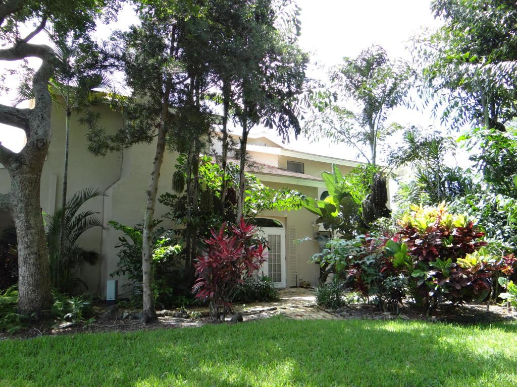 3167 Deer Creek Lake Shore Drive, Deerfield Beach, Florida image 1