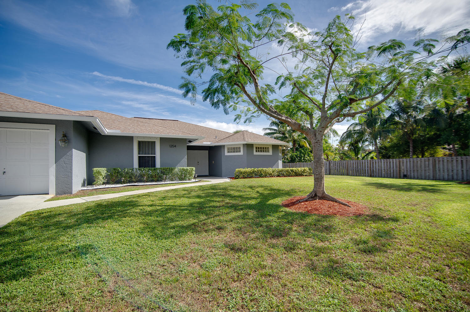 1254 Palmetto Road, Haverhill, Florida image 1