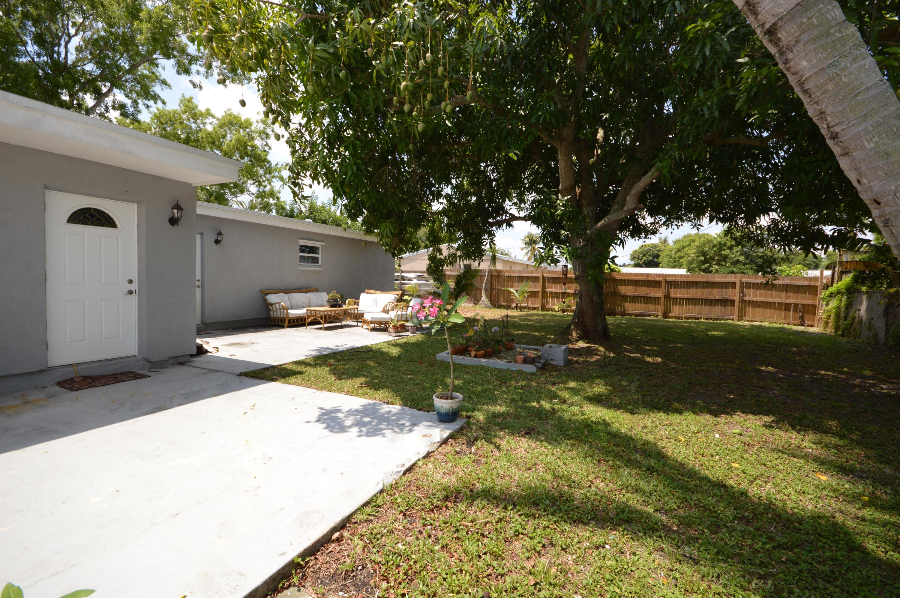419 Cheyenne Drive, Lake Worth, Florida image 21