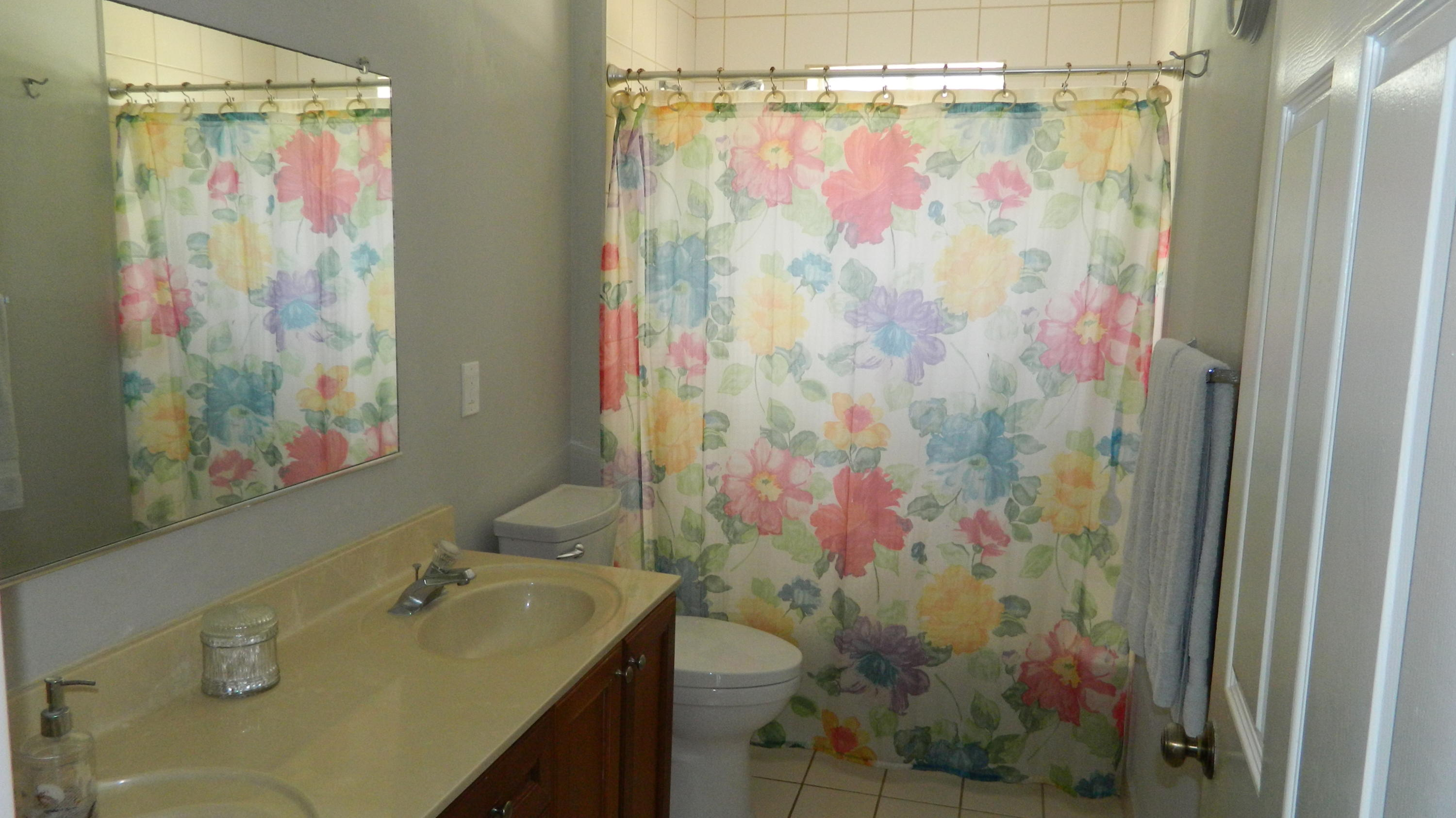 16 Double Vanity Upstairs BathJPG