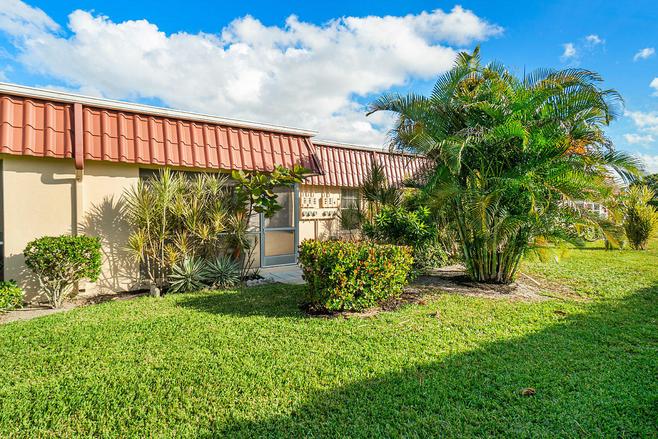 025-694MarlboroOval-LakeWorth-FL-small