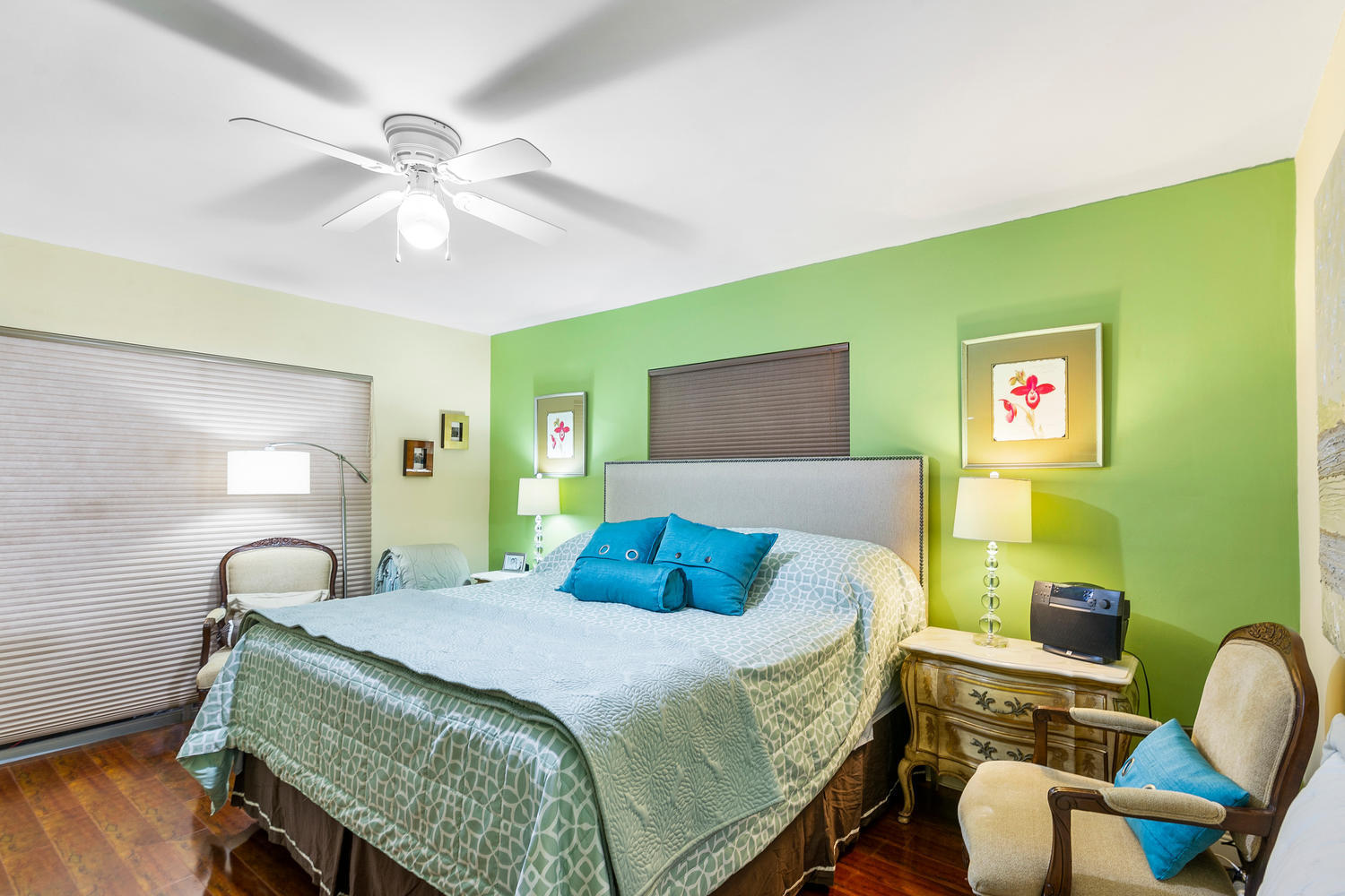 7204 NW 71st St-large-028-027-Bedroom-15