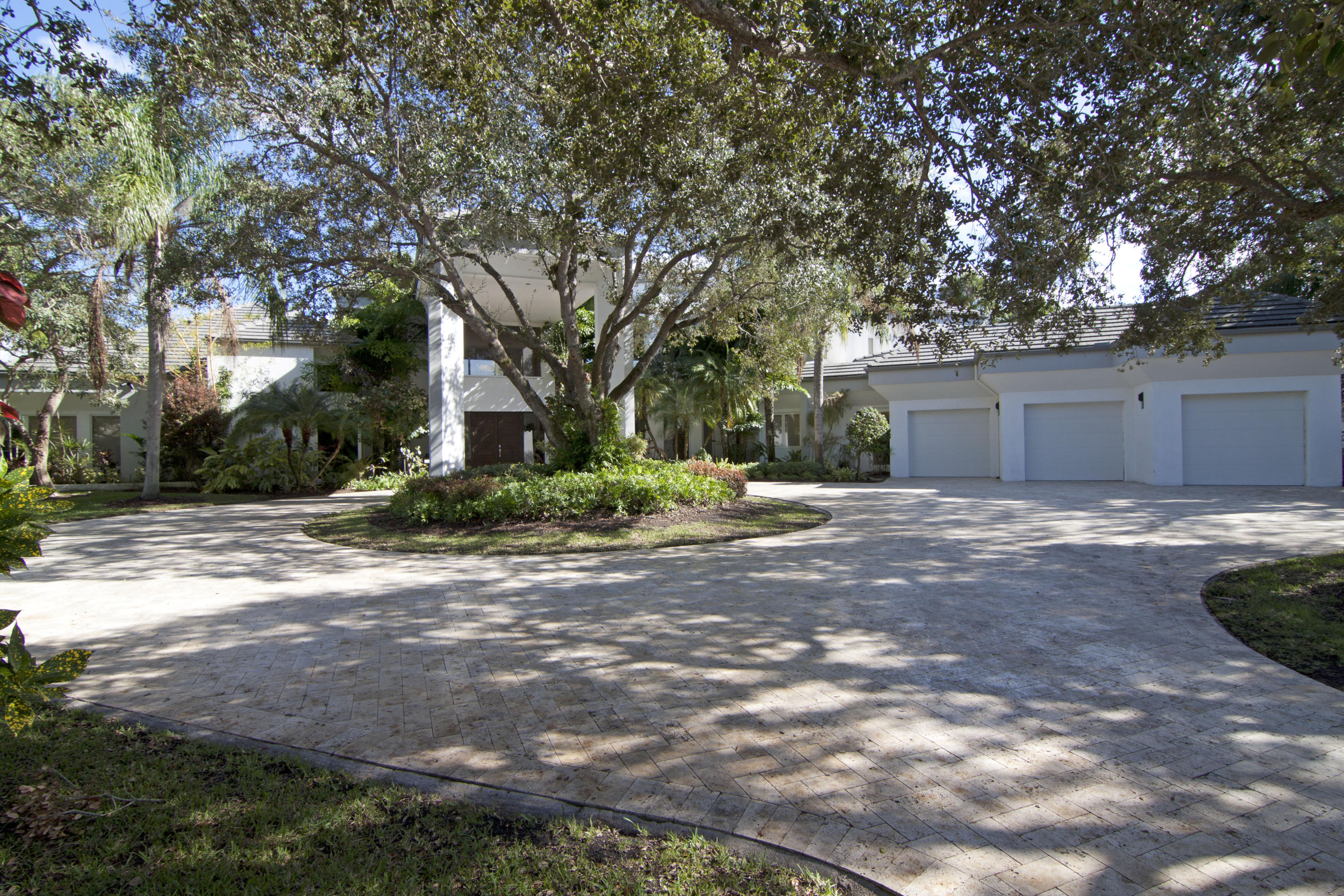 2860 Long Meadow Drive, Wellington, Florida image 2