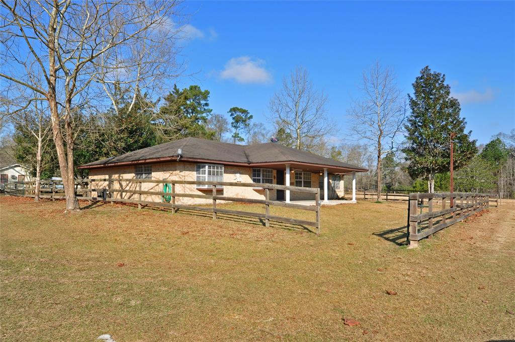 18 County Road 389  , Cleveland, Texas image 1