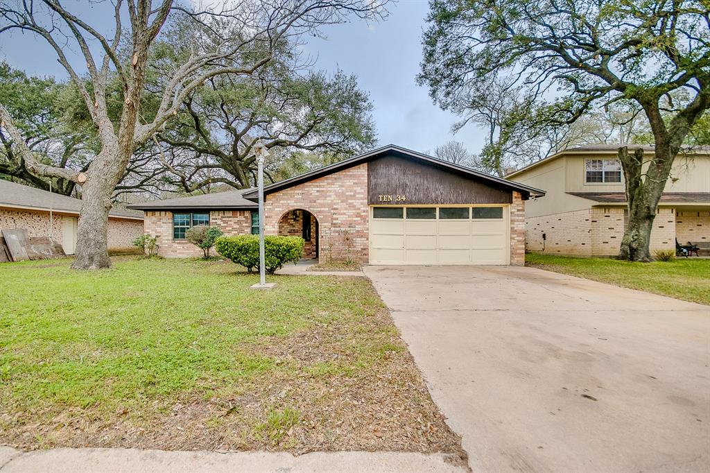 1034 Maple Street , Clute, Texas image 1