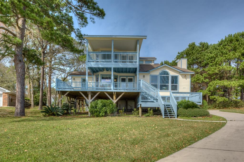 220 Harbour Point Circle , Coldspring, Texas image 1
