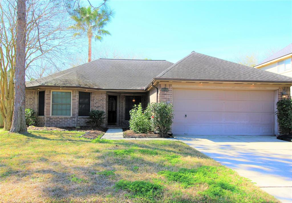1016 N Sunset Drive , Pearland, Texas image 1