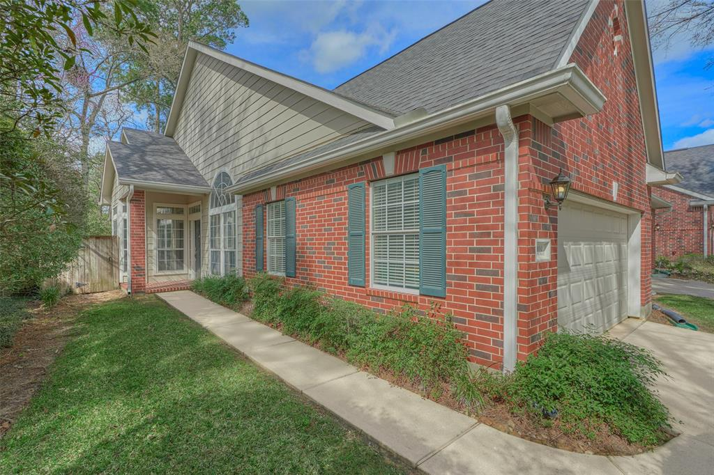 108 S Piper Trace , The Woodlands, Texas image 1