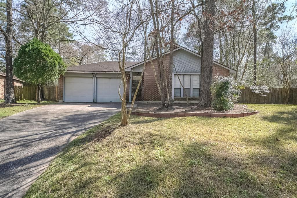 32 Field Flower Court , The Woodlands, Texas image 1