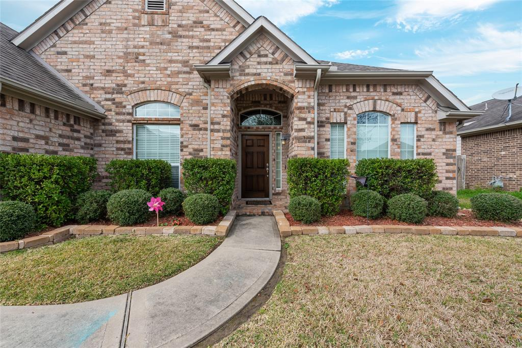 5119 Dripping Spring Avenue , Baytown, Texas image 1