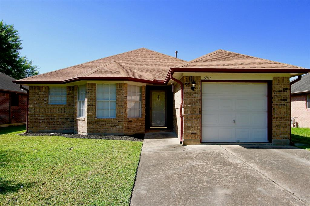 5917 Red River Drive , Dickinson, Texas image 1