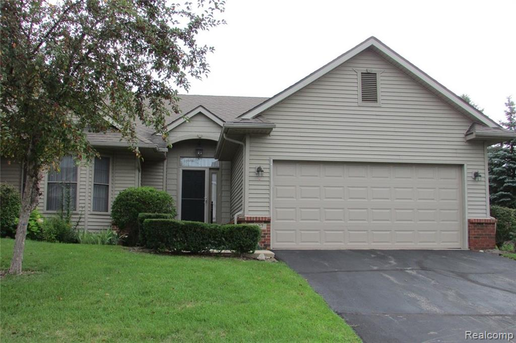 6177 GREEN ASH Drive , Brighton, Michigan image 1