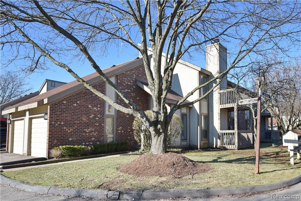 7430 RADCLIFF Court  #57, West Bloomfield, Michigan image 1