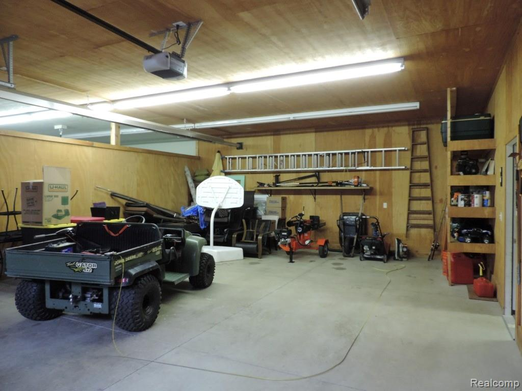 Utility bay leading to workshop.JPG