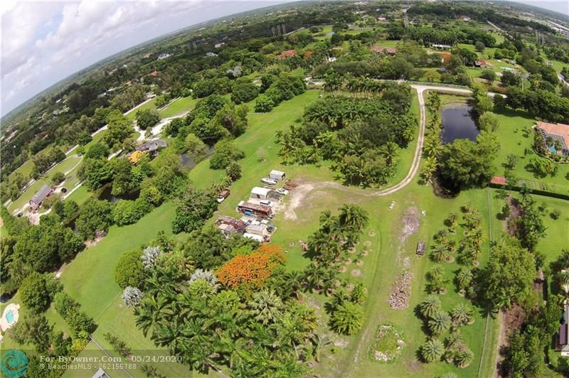 12800 Mustang Trail, Southwest Ranches, Florida image 1