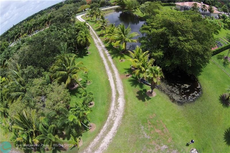 12800 Mustang Trail, Southwest Ranches, Florida image 5
