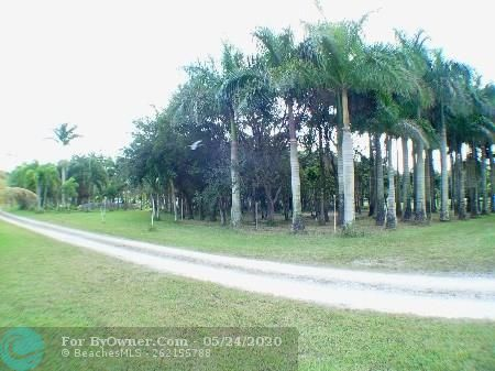 12800 Mustang Trail, Southwest Ranches, Florida image 10