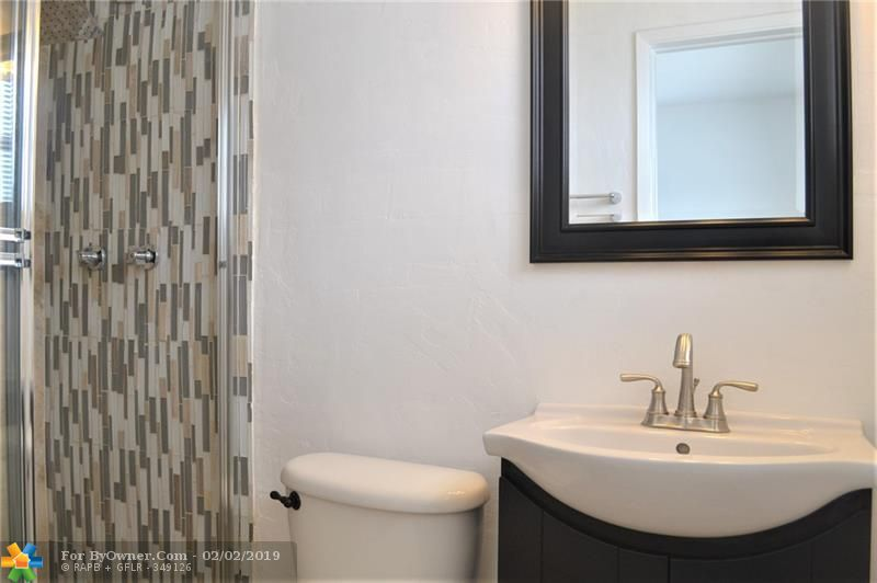 100 SW 30th Ave, Fort Lauderdale, Florida image 25