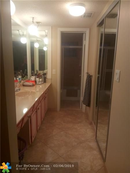 4270 NW 40th St #304, Lauderdale Lakes, Florida image 11