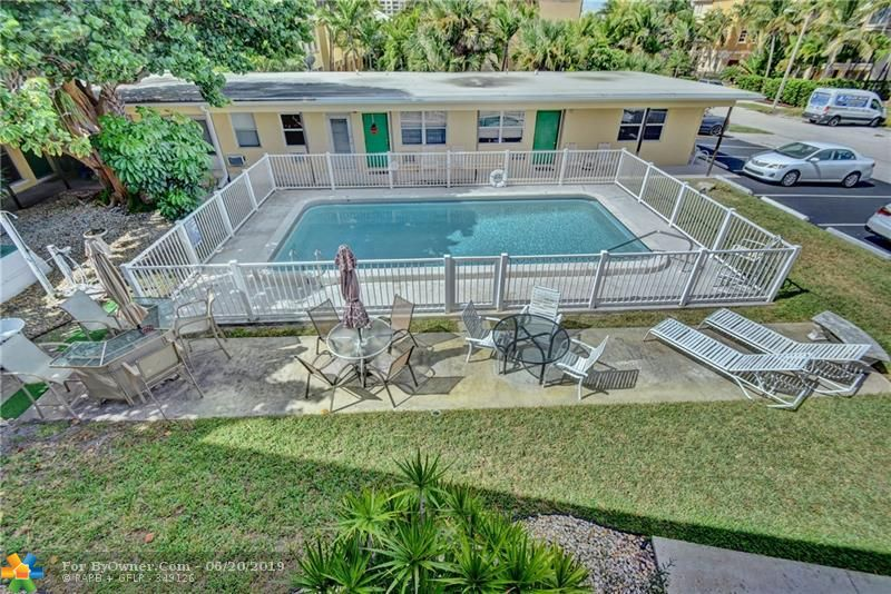 Sun Coast Garden Condos is only 1 lot away from A1A directly across from the OCEAN FRONT Marriott Hotel where you can visit guests or Dine/Drink at the Seaside Grill or at the Tiki Beach Bar. \