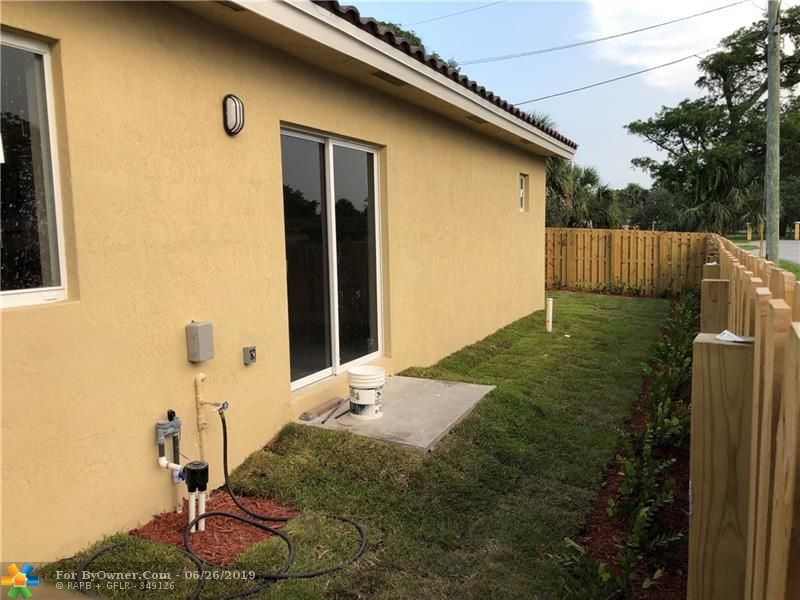 2898 NW 12th St, Fort Lauderdale, Florida image 15