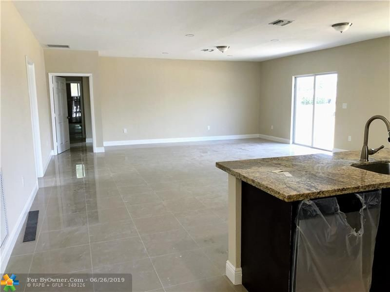2898 NW 12th St, Fort Lauderdale, Florida image 3