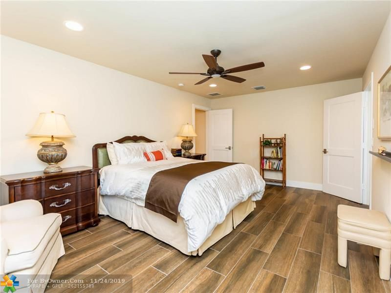 Second master with walk in closet and private bath
