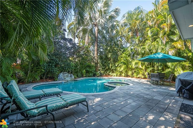 1026 Lincoln St, Hollywood, Florida image 5