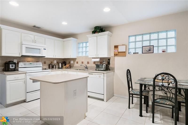 3732 NW 63rd Court, Coconut Creek, Florida image 15