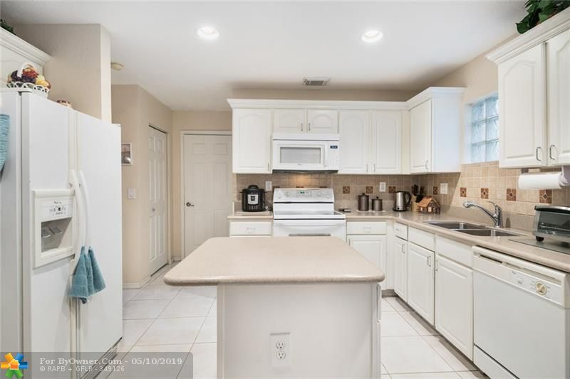 3732 NW 63rd Court, Coconut Creek, Florida image 18