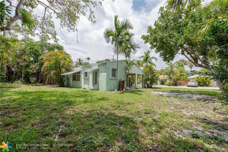 738 NE 17th Rd, Fort Lauderdale, Florida image 9