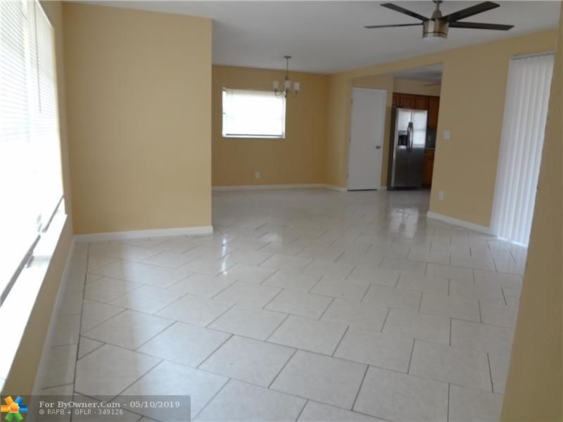 140 NW 80th Ter, Margate, Florida image 3