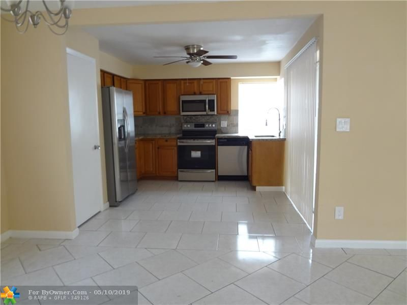 140 NW 80th Ter, Margate, Florida image 4