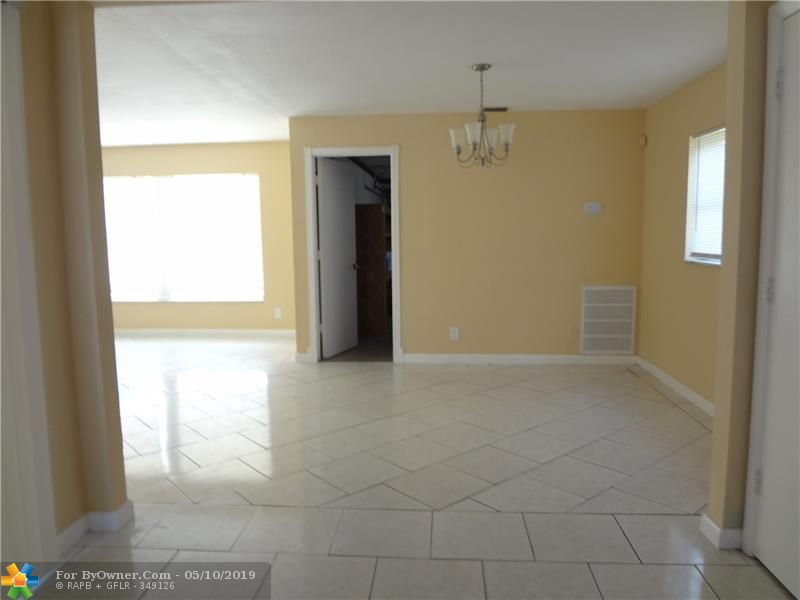 140 NW 80th Ter, Margate, Florida image 6
