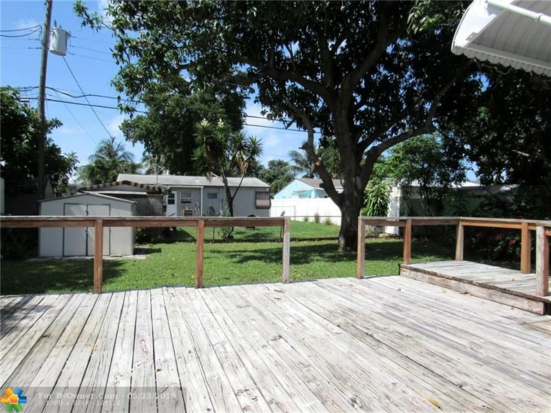 211 NW 53rd St, Oakland Park, Florida image 11