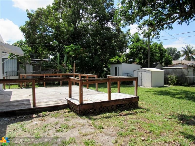 211 NW 53rd St, Oakland Park, Florida image 13