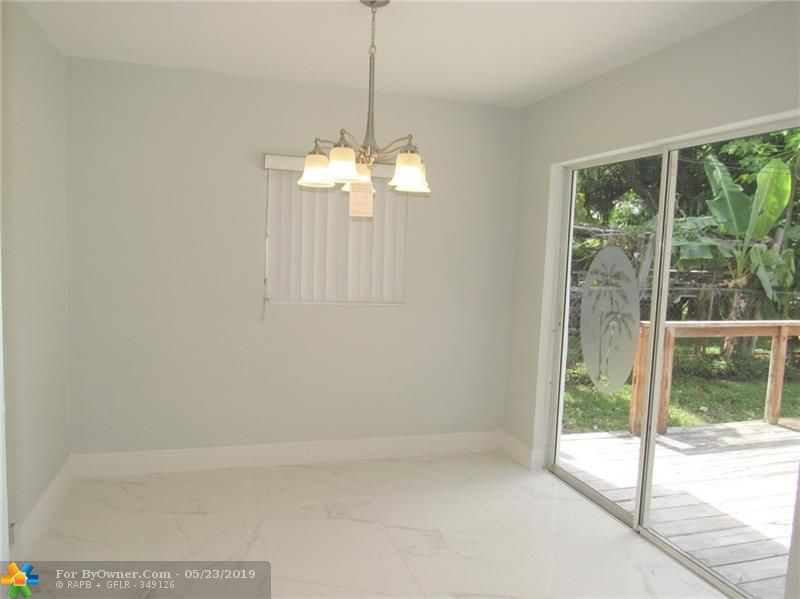 211 NW 53rd St, Oakland Park, Florida image 7