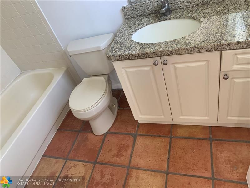 1455 Holly Heights Dr #49, Fort Lauderdale, Florida image 5