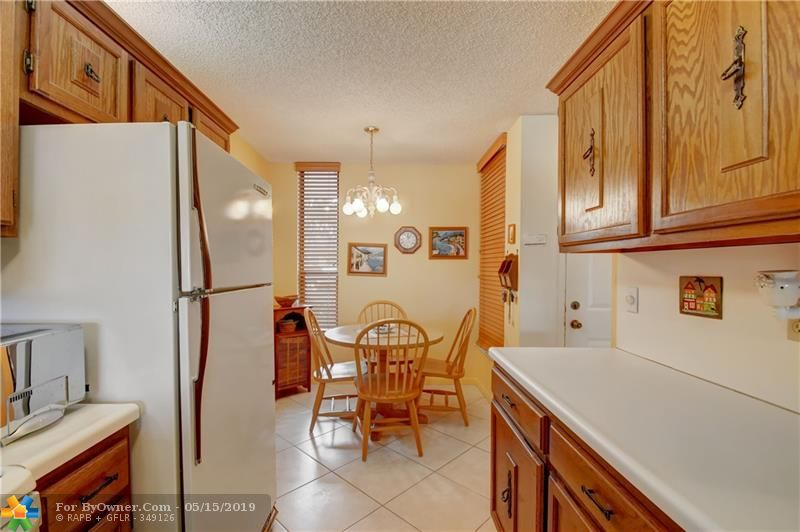 6105 Coral Lake Dr #105, Margate, Florida image 26