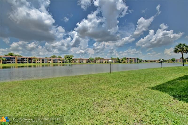 6105 Coral Lake Dr #105, Margate, Florida image 31
