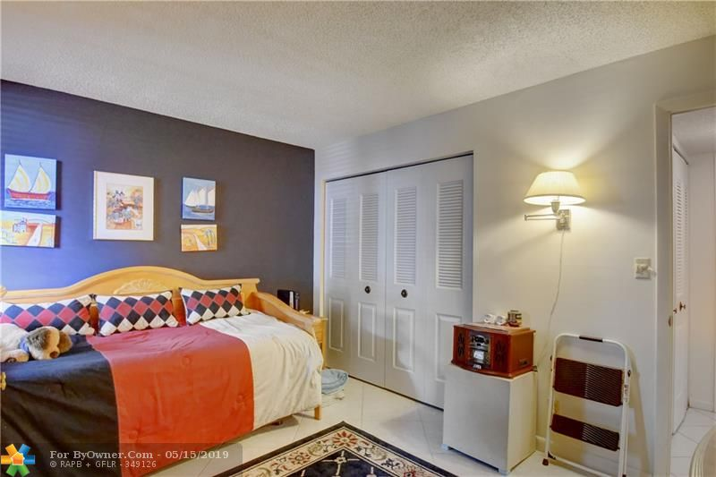 6105 Coral Lake Dr #105, Margate, Florida image 10