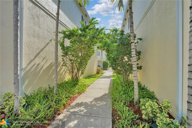 708 SW 2nd Ave #708, Pompano Beach, Florida image 38